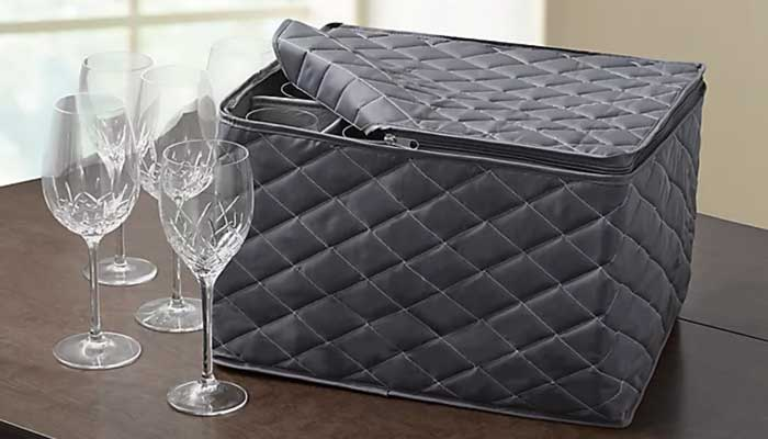 Quilted boxes with compartments for storing stemware