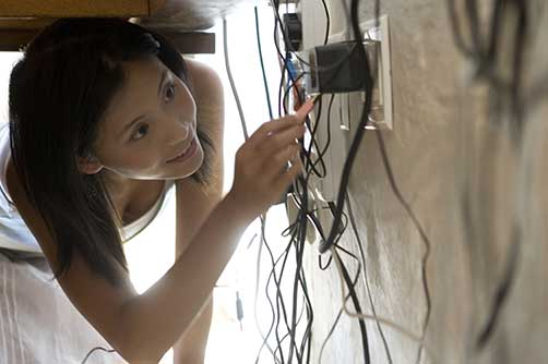 how to deal with messy wires under desk