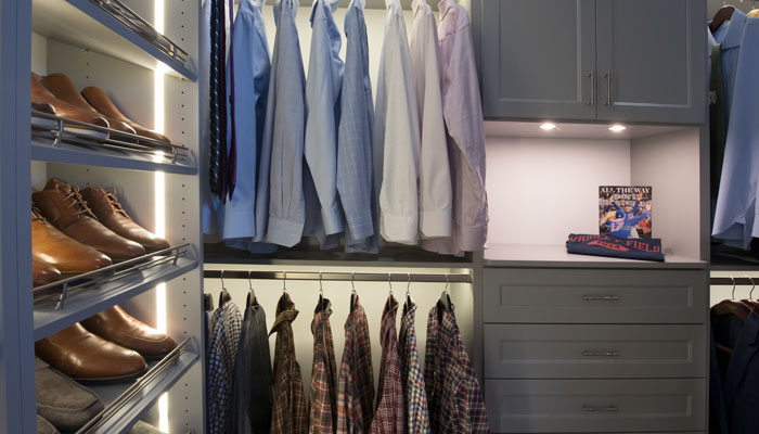his side with tie rack and slanted shoe shelves