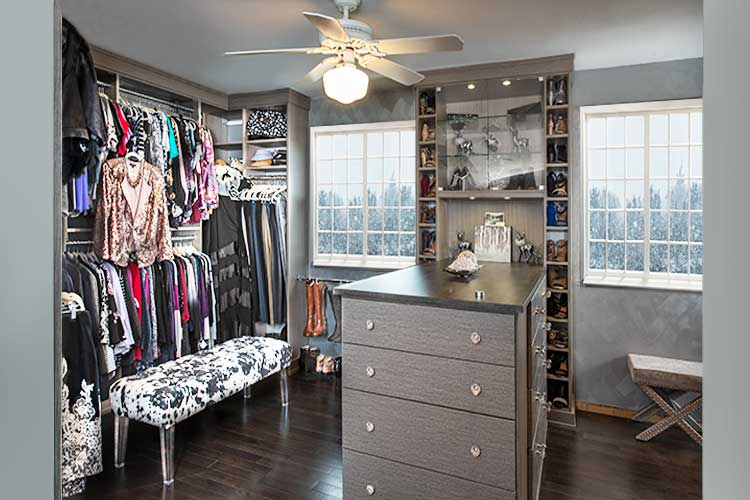 Open closet system for master bedroom