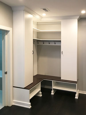 corner mudroom design