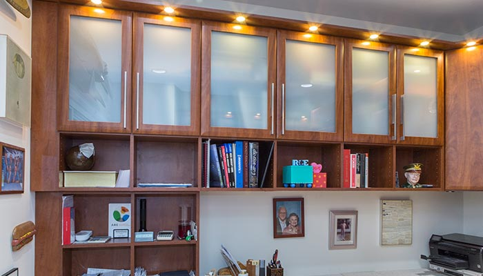 Upper cabinets with frosted glass panels